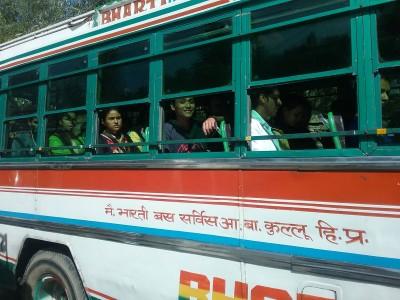 Встречный автобус